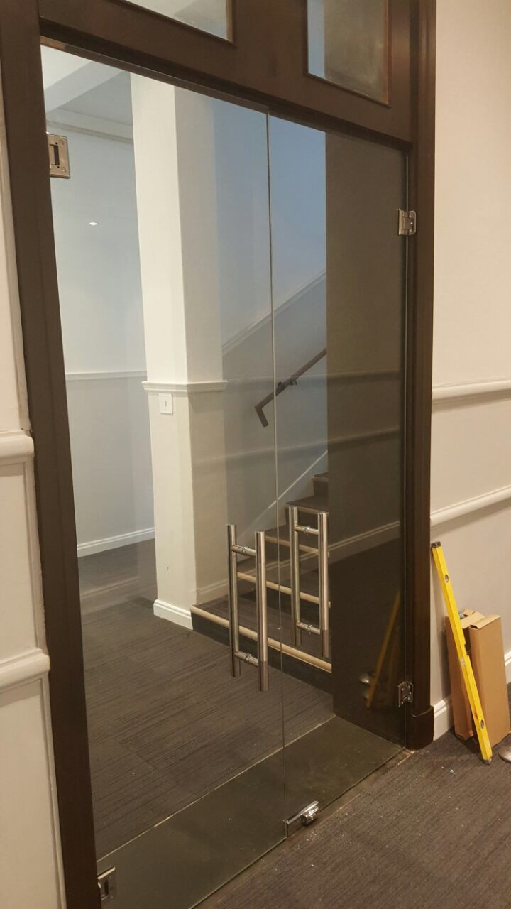 Frameless Door Systems